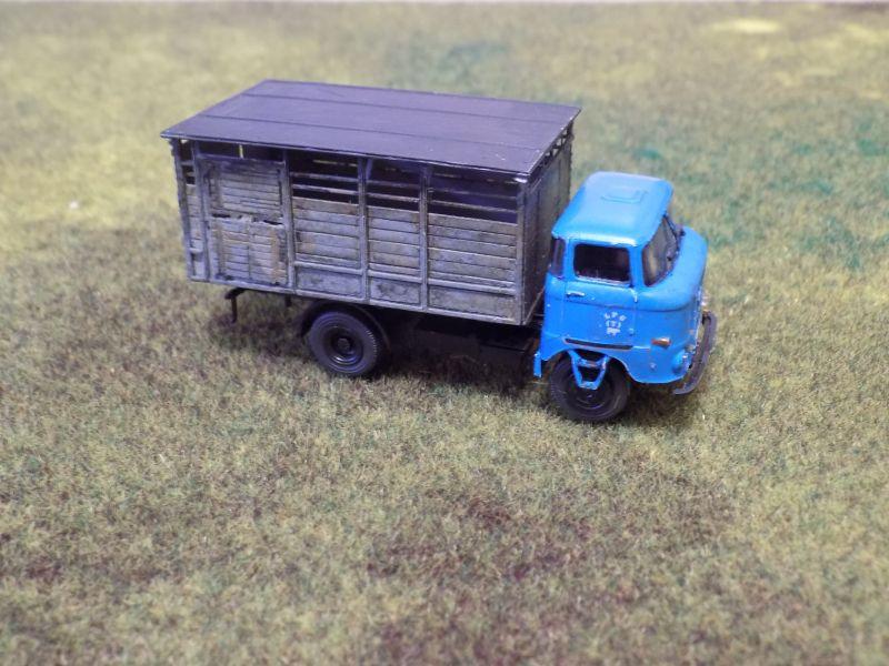 IFA W50 mit Viehaufbau Vieh2-14