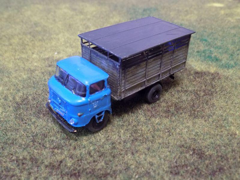 IFA W50 mit Viehaufbau Vieh2-16
