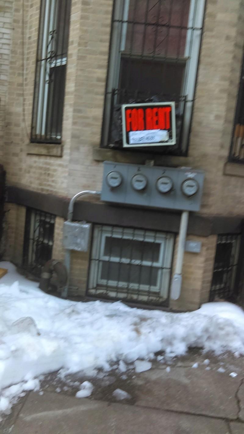 SE RENTA UN APARTAMENTO 3 CUARTOS POR LA 57 ST EN BROOKLYN NY Imag0611