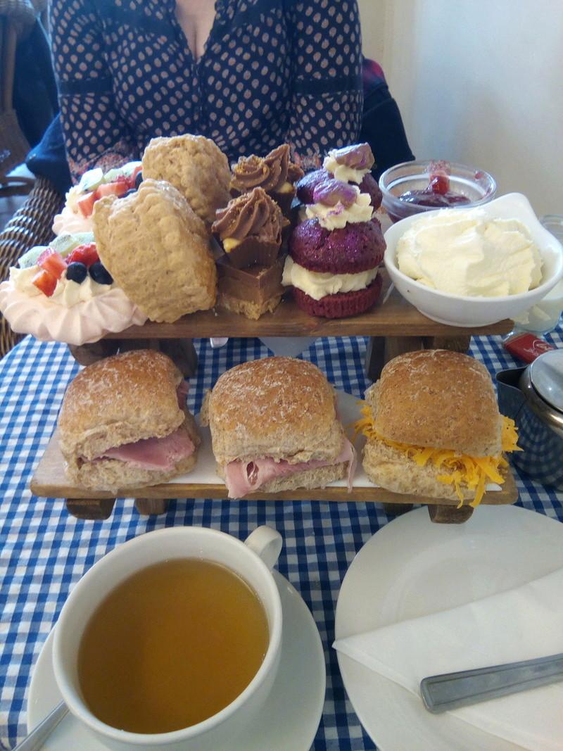 Afternoon tea in Cleethorpes? Img_2011