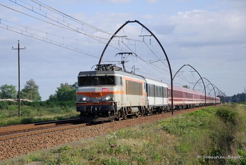 Les pélerins sur la ligne Bordeaux - Dax - Irún Dsc_0010