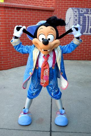 Vos photos avec les Personnages Disney - Page 38 Dsc_0211