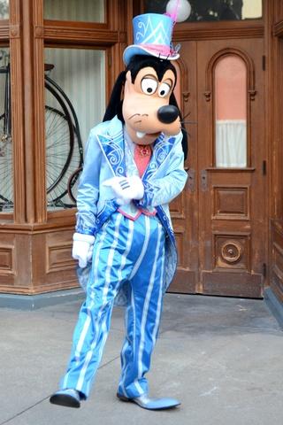 Vos photos avec les Personnages Disney - Page 38 Dsc_0911