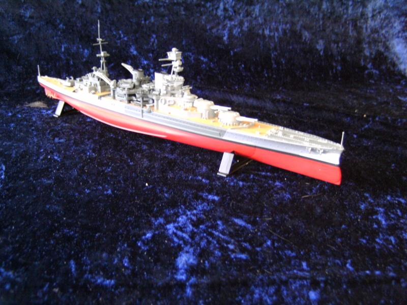 H.M.S. Repulse von Airfix 1 : 600 Pict0047