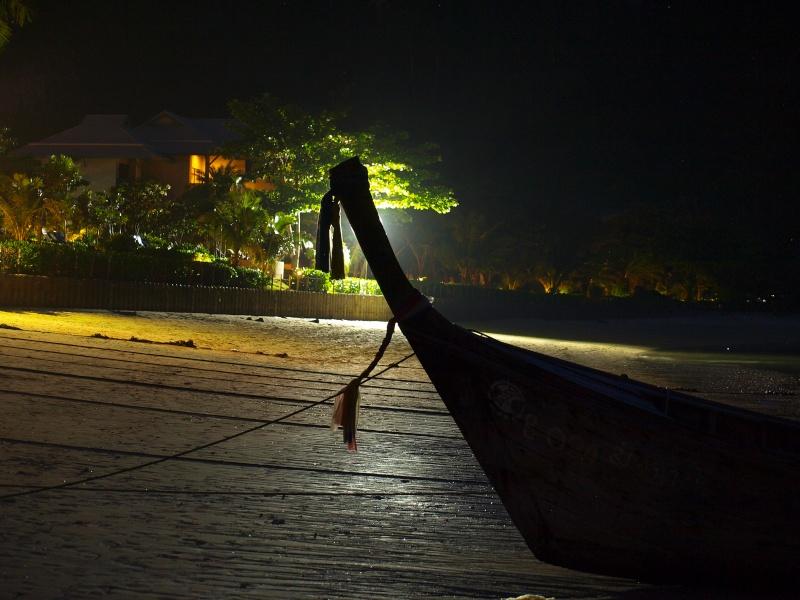 sur les plages de Thailande Pb197310