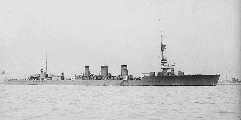 Croiseurs japonais - Page 2 Tenryu10