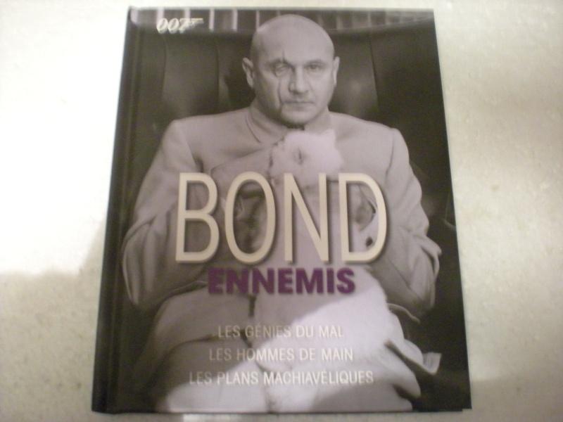 Livres sur James Bond 007 Dscn8285