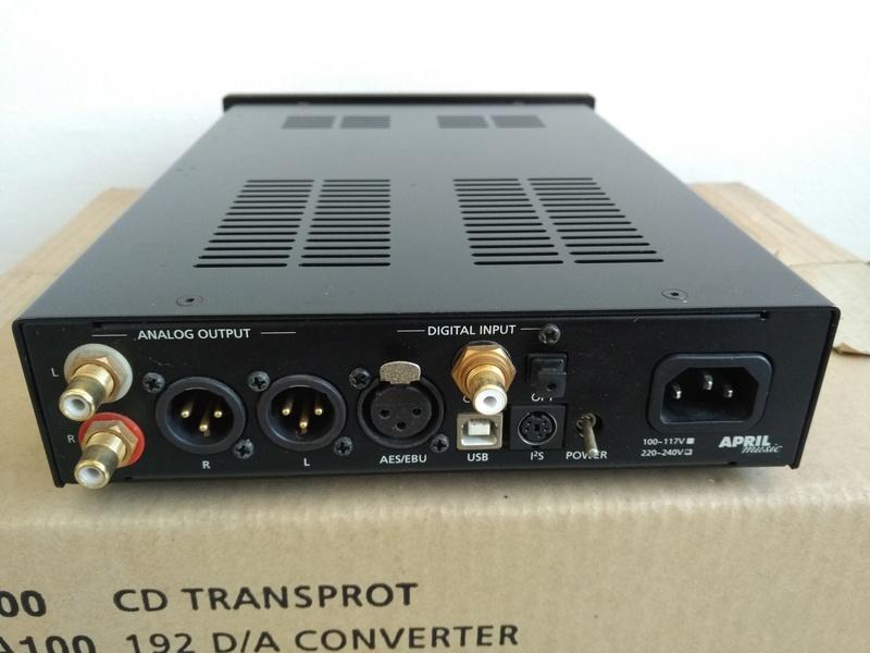 APRIL MUSIC  Stello DA-100 Signature USB D/A Converter Img_2267