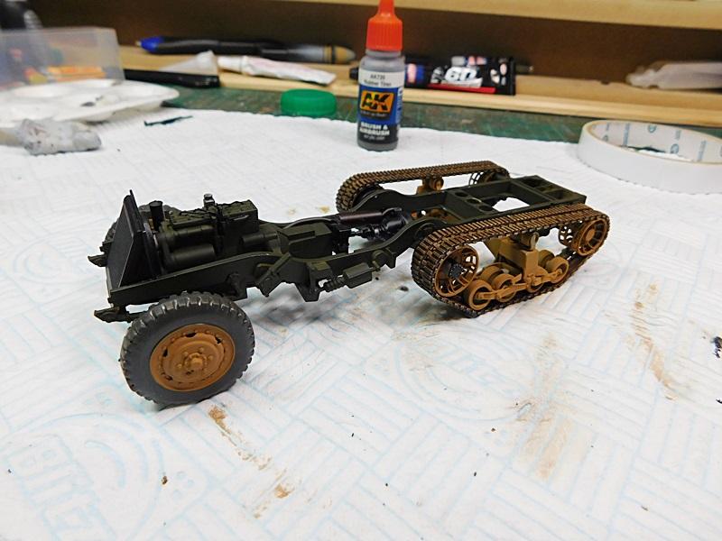 Community Build 20: Any tracked military vehicle. 00123