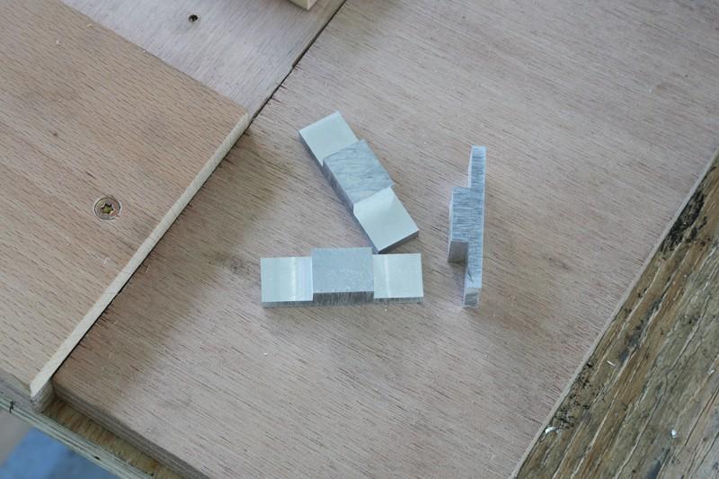 [Fabrication] Guide de coupe angulaire pour scie à format. - Page 2 006_co10
