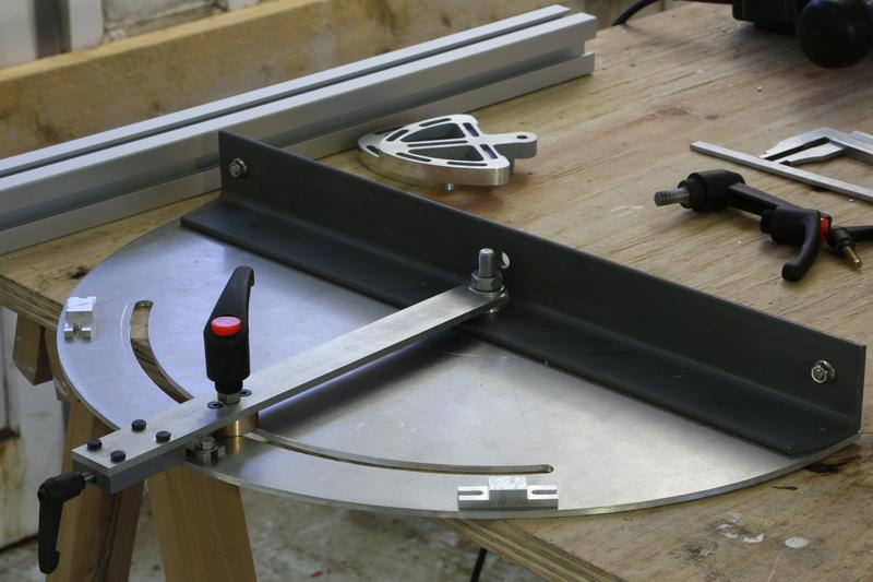 [Fabrication] Guide de coupe angulaire pour scie à format. - Page 2 026_co10