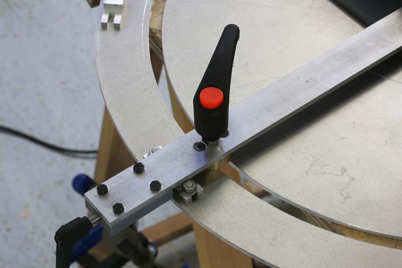 [Fabrication] Guide de coupe angulaire pour scie à format. - Page 2 027_co10