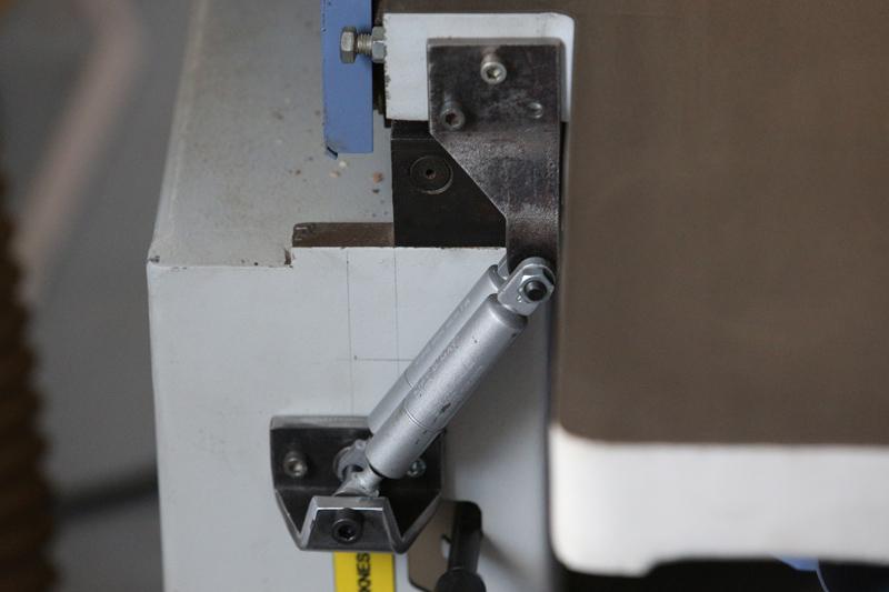 Motorisation table raboteuse (voir p.13) et amélioration R/D Holztech FS320 (première partie)  - Page 6 13_oct16