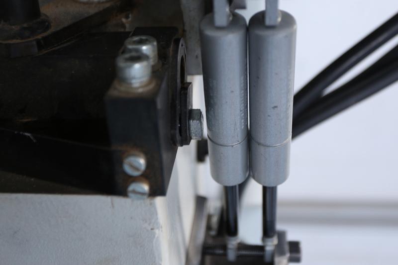 Motorisation table raboteuse (voir p.13) et amélioration R/D Holztech FS320 (première partie)  - Page 7 13_oct30