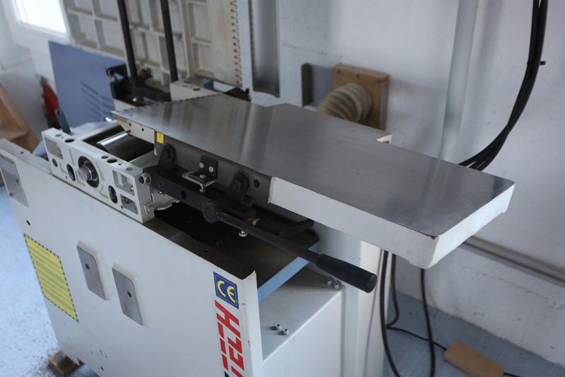 Motorisation table raboteuse (voir p.13) et amélioration R/D Holztech FS320 (première partie)  - Page 7 13_oct35