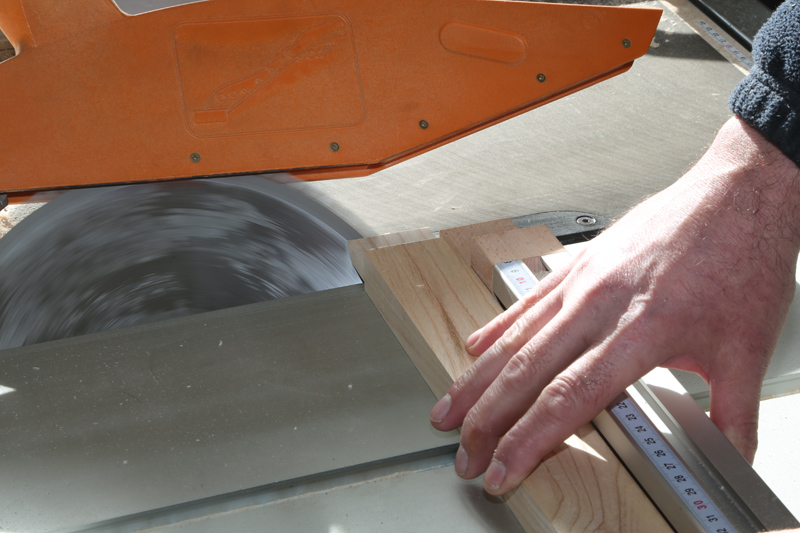 [Fabrication] Mini table basse  - Page 2 15_fav19