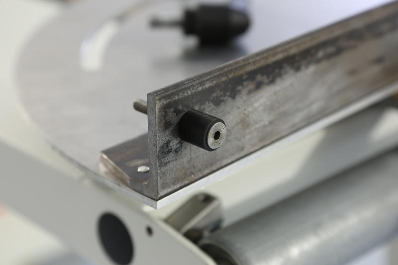 [Fabrication] Guide de coupe angulaire pour scie à format. 17_jan10