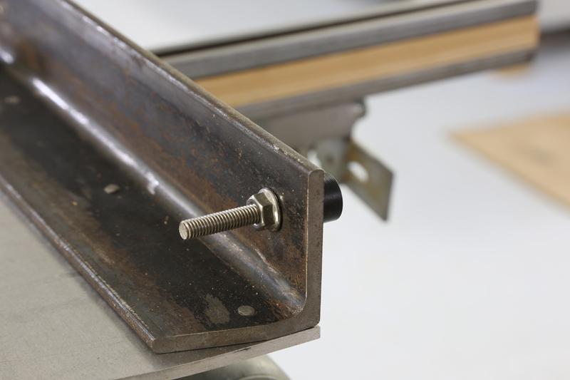 [Fabrication] Guide de coupe angulaire pour scie à format. 17_jan11