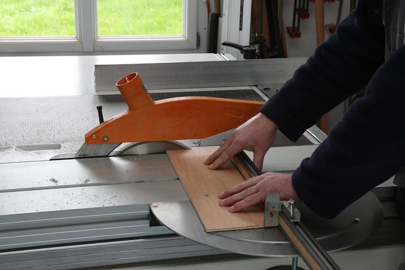 [Fabrication] Guide de coupe angulaire pour scie à format. 17_jan20