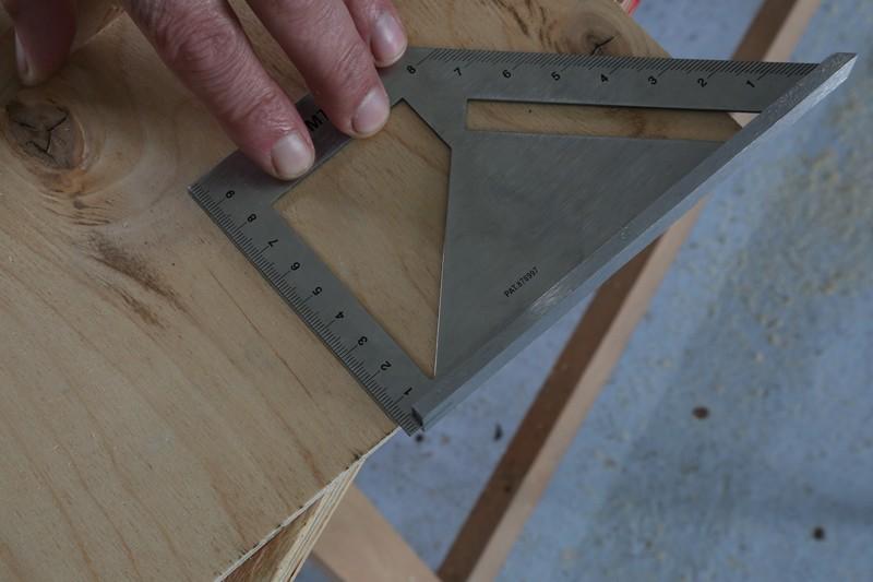 [Fabrication] Guide de coupe angulaire pour scie à format. - Page 2 20_jan10