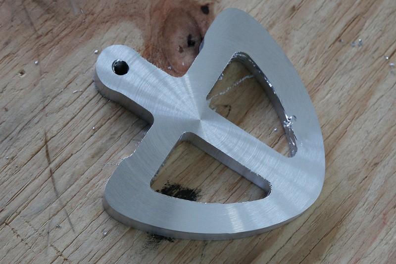 [Fabrication] Guide de coupe angulaire pour scie à format. - Page 2 22_jan10