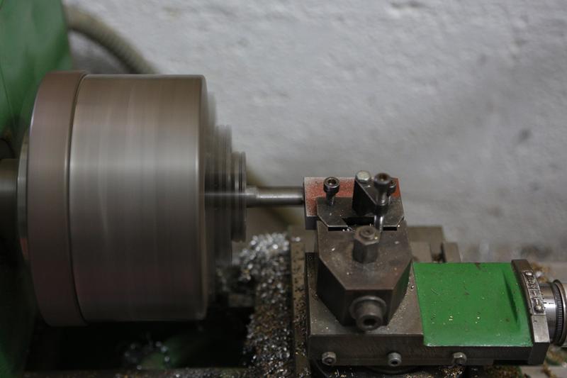 [Fabrication] Guide de coupe angulaire pour scie à format. - Page 2 25_jan11