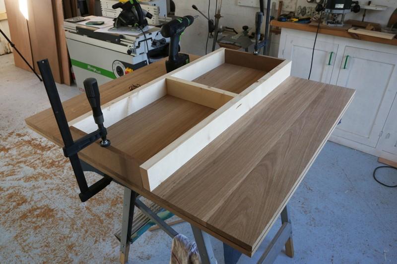 "[Fabrication] Table de salon ""hexaèdres""... - Page 2 25_mai10"