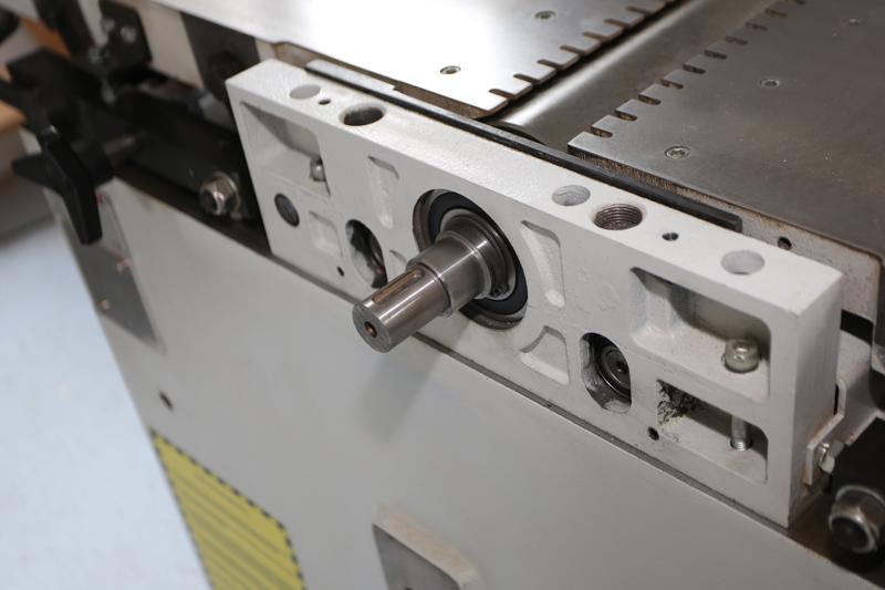 Motorisation table raboteuse (voir p.13) et amélioration R/D Holztech FS320 (première partie)  - Page 6 29_sep13