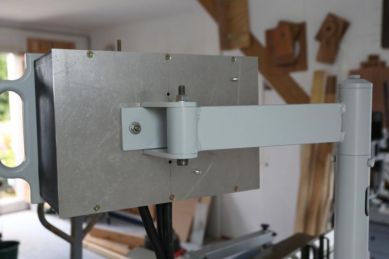 Motorisation table raboteuse (voir p.13) et amélioration R/D Holztech FS320 (première partie)  - Page 6 30_aou12