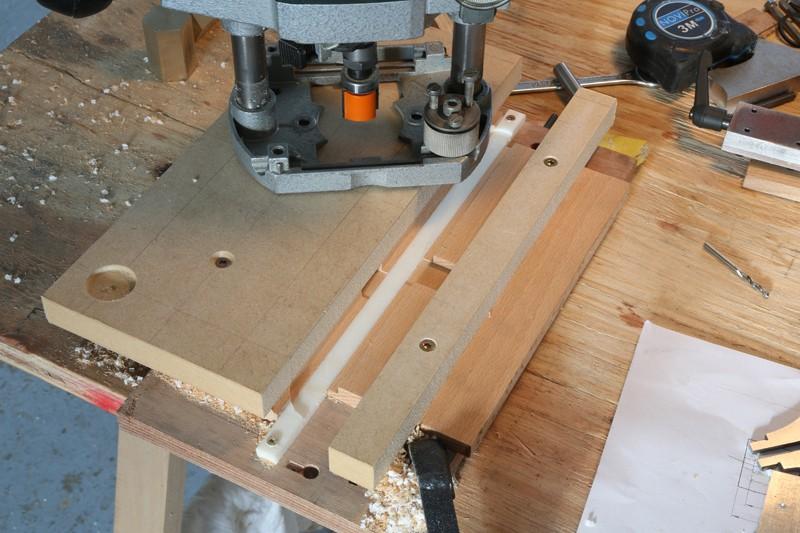 [Fabrication] Guide de coupe angulaire pour scie à format. - Page 2 30_jan13