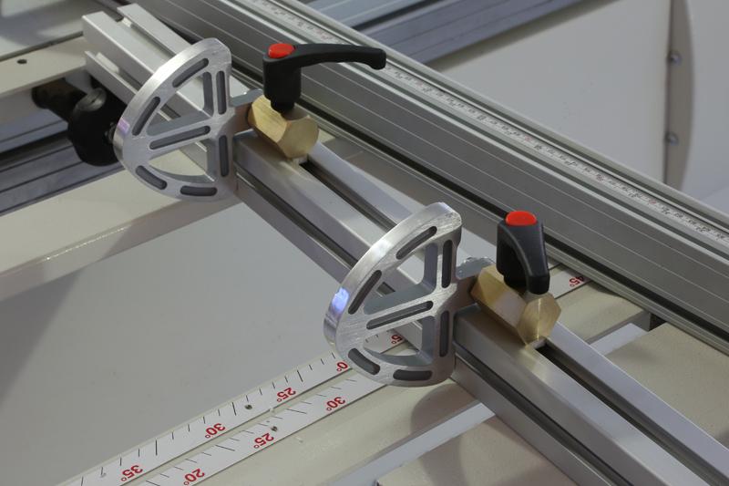 [Fabrication] Guide de coupe angulaire pour scie à format. - Page 2 30_jan15