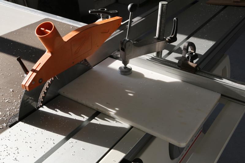 [Fabrication] Guide de coupe angulaire pour scie à format. - Page 2 30_jan16