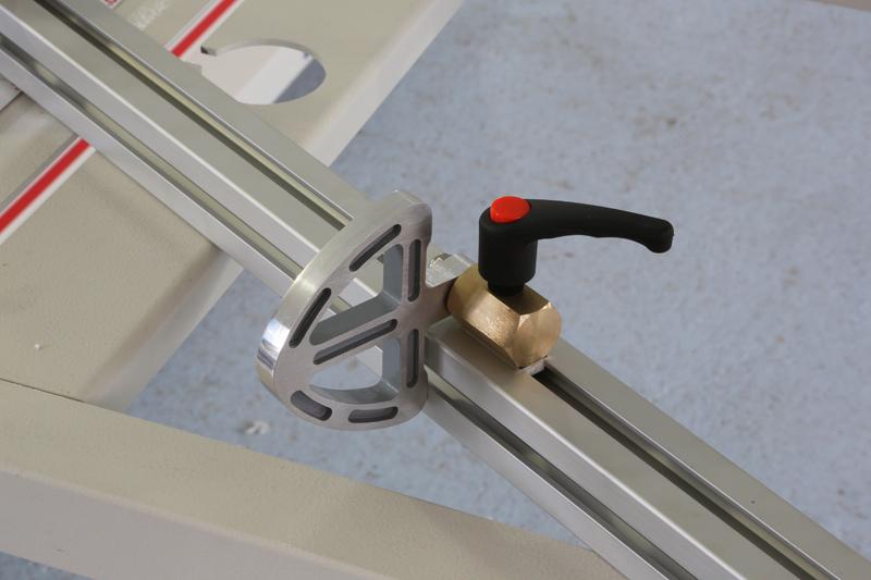 [Fabrication] Guide de coupe angulaire pour scie à format. - Page 2 31_jan13