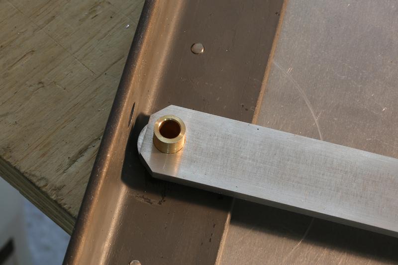 [Fabrication] Guide de coupe angulaire pour scie à format. - Page 2 31_jan15