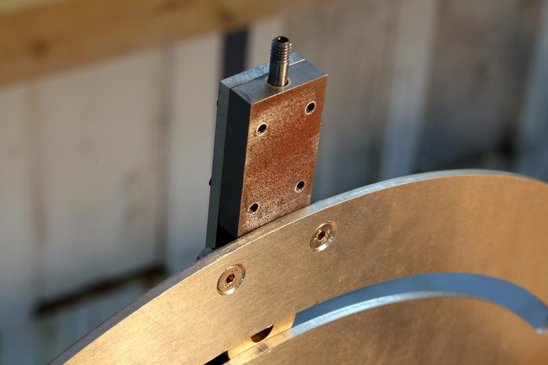 [Fabrication] Guide de coupe angulaire pour scie à format. - Page 2 31_jan17