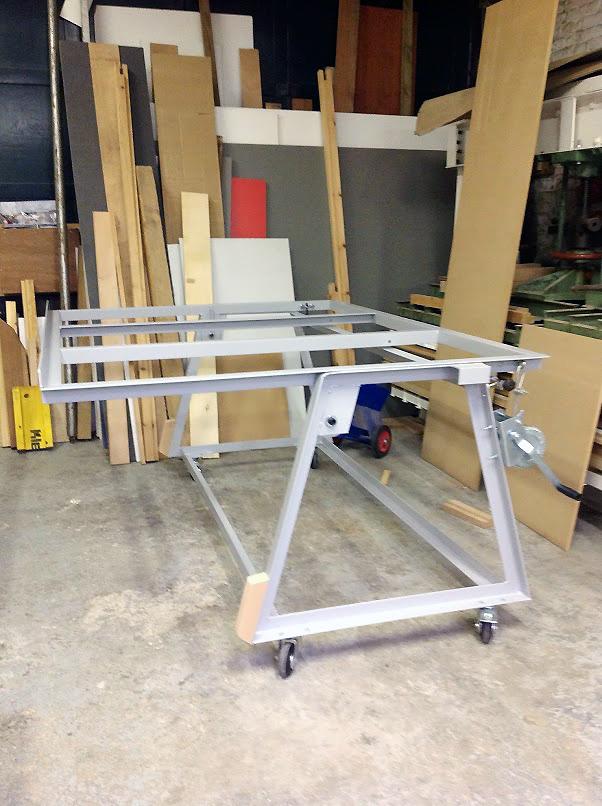 Table d'atelier basculante.  Photo211