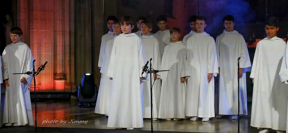 """""""Christmas Concert"""" à St. George, Londres, jeudi 28 novembre 2013 - Page 3 Jimmy_11"""