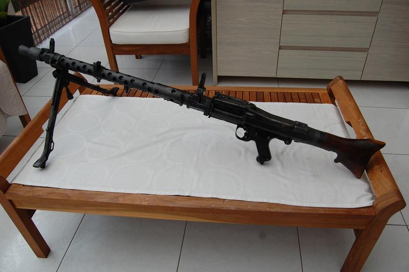 Numéro de série de MG 34 dot portugaise - Page 3 Dsc_0327