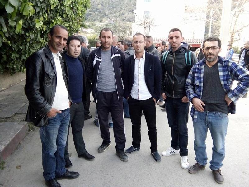 La  conférence de Younes Adli  empêchée par la police à Aokas le samedi 04 mars 2017 1425