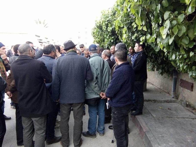 La  conférence de Younes Adli  empêchée par la police à Aokas le samedi 04 mars 2017 1427