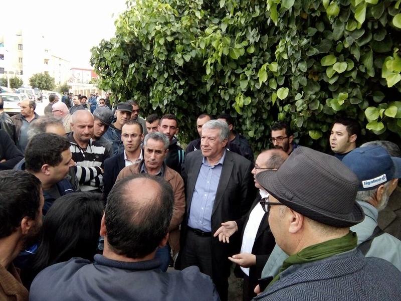 La  conférence de Younes Adli  empêchée par la police à Aokas le samedi 04 mars 2017 1428
