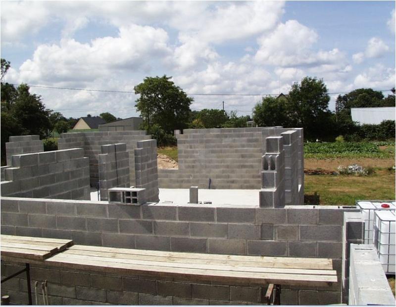 AUTO-CONSTRUCTION :  LA MAISON D'EN FACE - Page 4 Const132