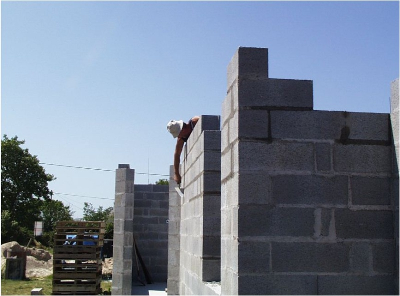 AUTO-CONSTRUCTION :  LA MAISON D'EN FACE - Page 4 Const134