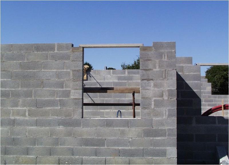 AUTO-CONSTRUCTION :  LA MAISON D'EN FACE - Page 4 Const137