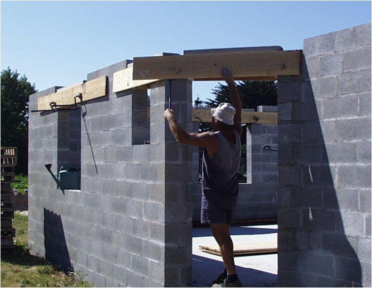 AUTO-CONSTRUCTION :  LA MAISON D'EN FACE - Page 4 Const138
