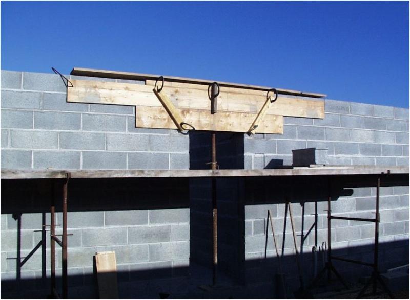 AUTO-CONSTRUCTION :  LA MAISON D'EN FACE - Page 4 Const144