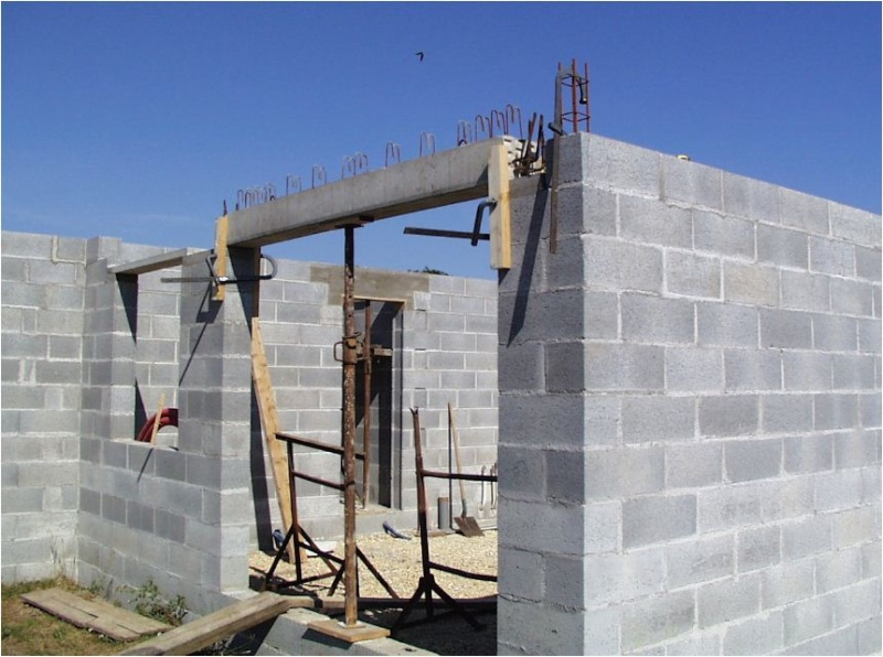 AUTO-CONSTRUCTION :  LA MAISON D'EN FACE - Page 4 Const145