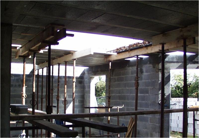 AUTO-CONSTRUCTION :  LA MAISON D'EN FACE - Page 6 Const203