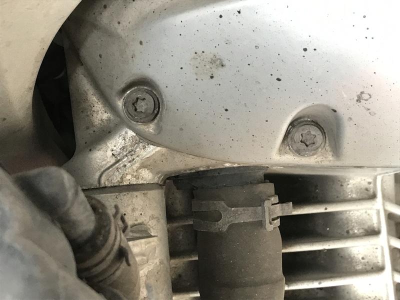 """Corrosion - remplacement moteur et """"final drive"""" Img_2510"""