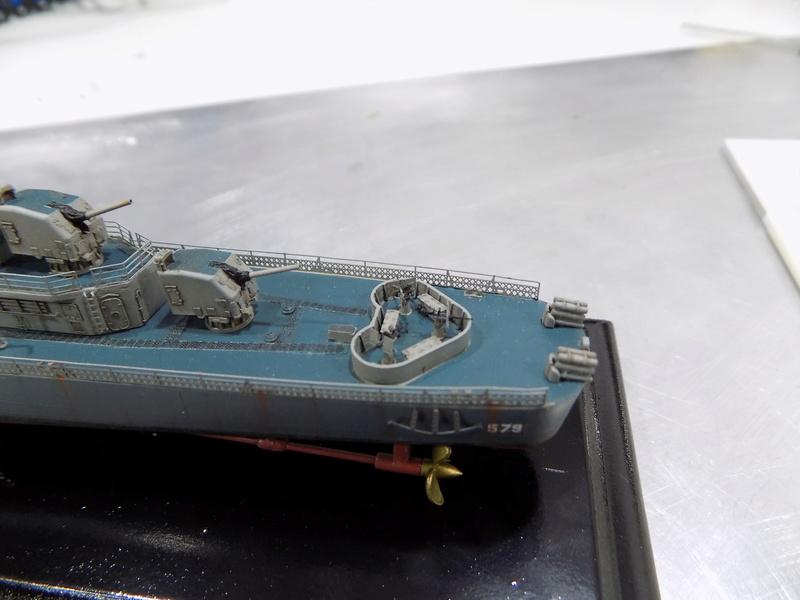 USS WILLIAM D PORTER DD-579 TAMIYA 1/350 - Page 6 Dscn0370